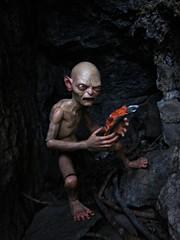 Gollum's Fish (Geek Creek) Tags: toys actionfigures gollum lordoftherings tolkien jrrtolkien neca toyphotography necagollum