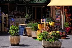 """Boutique de produits rgionnaux """"Sous l'olivier de Magali"""" (didier95) Tags: facade pot boutique gordes faade vaucluse produitsregionnaux"""