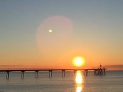 El pont i el sol (Carquinyol) Tags: beach sunrise mar catalunya platja pasoscatalans badalona sortidadesol pontdelpetroli