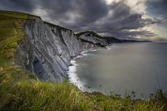 Sakoneta (Herv D.) Tags: cliff seascape landscape paysage espagne basquecountry sakoneta paysbasque atlantique flysch faliase