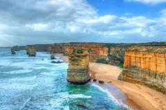 Twelve Apostles (dretschi) Tags: meer wasser wind sommer urlaub himmel wolken samsung australia victoria australien blau greatoceanroad twelveapostles wandern steilkste felsen einsam sdkste nx1000