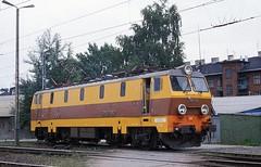 EP09-012  Krakow  08.07.98 (w. + h. brutzer) Tags: analog train nikon poland krakow eisenbahn railway zug trains polen locomotive lokomotive pkp elok eisenbahnen ep09 eloks webru