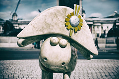 Sheep in London (Littlepois Photographie) Tags: uk sculpture london nikon sheep unitedkingdom trafalgarsquare londres angleterre ru mouton d4 royaumeuni lr4 littlepois nikon2470f28 analogefexpro