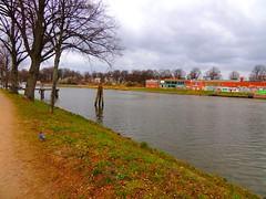 Travekanal in Lbeck (Sophia-Fatima) Tags: deutschland lbeck schleswigholstein trave klughafen