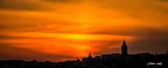 Panormica de Estambul (adrivallekas) Tags: trip travel sunset orange sun colour history canon turkey atardecer mediterraneo horizon culture istanbul arab panoramica puestadesol turquia viajar estambul galata galatatower torredeladoncella torregalata turqiye torreleandro bosfoto leandrotower