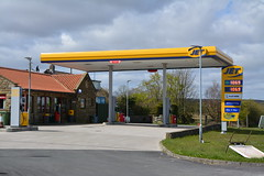 Jet, Flask Inn North Yorkshire. (EYBusman) Tags: station inn flask garage yorkshire phillips north jet 66 gas whitby service petrol gasoline total filling conoco fylingdales eybusman