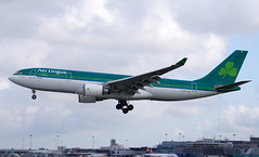 Aer Lingus A330-202 EI-DUO. 23/04/16. (Cameron Gaines) Tags: from ireland sky dublin usa chicago france grass st america airplane for airport europe republic aviation air united north may before 2nd landing finals airbus 28 states aer toulouse touchdown ord runway shamrock dub a330 aerospace colum airfield 2007 cit lingus eads columba a330200 delivered av8 avgeek eidw a330202 eiduo fwwyt 230416 ei124 cn841firstflewattoulouse franceonthe2ndofmay2007asfwwytbeforebeingdeliveredtoaerlingusonthe25thofmay2007aseiduotheaircraftwasnamedstcolumbacolumwhenitwasdeliveredtheaircraftisleasedfromcitaerospace