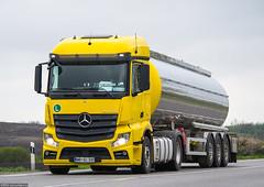 MB Actros 1845 MP4 StreamSpace / Petric Transporti (SLO) (almostkenny) Tags: truck camion slovenia mercedesbenz slovenija mb slo mp4 lkw 1845 petric actros ciarwka streamspace mpiv mbac930 petrictransporti
