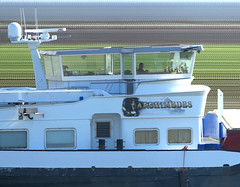 Archimedes (Morthole) Tags: boot boat ship schiff barge airbrush bulk archimedes schip binnenvaart slitscan rheinschiff vrachtschip