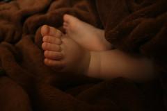 petits pieds (Margot.Limpika) Tags: bebe petitspieds platinumpeaceaward