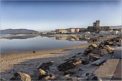 La isla 003 (Jesus M Glez) Tags: agua gaviotas tarifa piedras laisla estrechodegibraltar jesusmglez