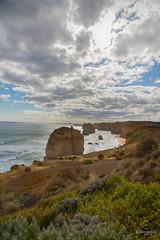 W-IMG_5733 (baroudeuses_voyage) Tags: ocean road sea beach londonbridge rocks oz cove great meadow australia roadtrip victoria cliffs van greatoceanroad 12apostles apostles australie gor elgrotto