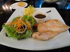P4172951 (tatsuya.fukata) Tags: food thailand book cafe samutprakan steelroses