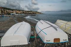 Cogoleto, GE (Federico Barbera) Tags: barca nuvole mare barche genova spiaggia samyang cogoleto samyang14mm pentaxk30