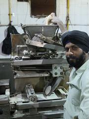 SikhTempleNewDelhi038 (tjabeljan) Tags: india temple sikh newdelhi gaarkeuken sikhtemple gurudwarabanglasahib