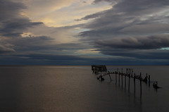 Fin del mundo (Felipe FJAZ) Tags: chile light sunset sky patagonia water clouds muelle south sur magallanes puntaarenas