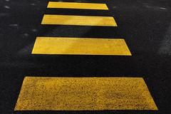 == (Martin PEREZ 68) Tags: black color yellow jaune noir negro amarillo minimalism minimalismo couleur minimalisme valencedagen