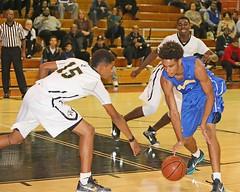 D142732A (RobHelfman) Tags: sports basketball losangeles highschool tournament crenshaw heritagechristian hunterdodgeavnewyearsclassic shaneseymore