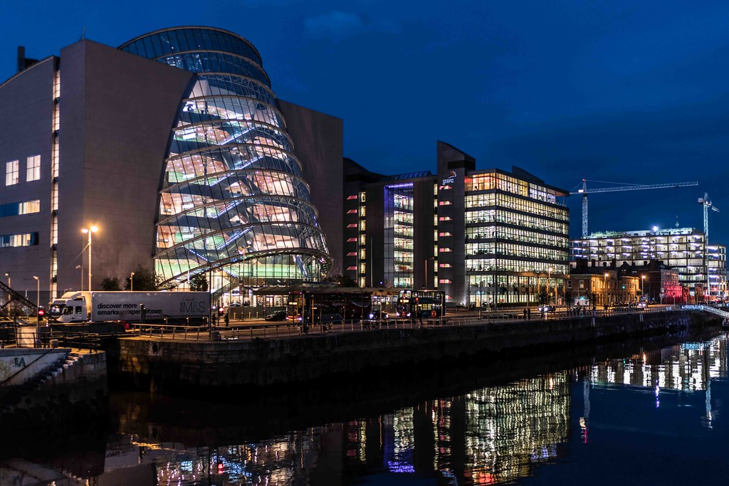 DUBLIN DOCKLANDS AT NIGHT [JANUARY 2016]-110822