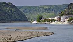 St. Goarshausen / Sandbar (AntyDiluvian) Tags: trip cruise ferry river germany deutschland town sandbar rhine rhein lorelei kd bacharach mittelrheintal loreley 2015 middlerhine mittelrhein stgoarshausen