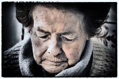 Blauw moeder januari 2016 (Kabhir) Tags: loneliness mother abuela oma parkinson gezin mre moedermadre
