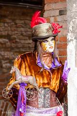 Carnaval Venise 2016-6449 (yvesw_photographies) Tags: italien carnival venice costumes italy costume europe italia eu parade chapeaux carnaval venise carnevale venezia venedig carneval italie venitian costum costumi costumé vénitien vénitienne costumés carnavaldevenise2016