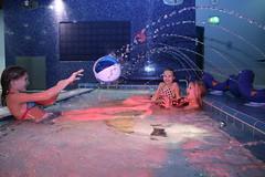 girls playing with a ball in a pool (VisitLakeland) Tags: girls water girl finland fun play spa vesi tahko tahkovuori leikki kylpyl