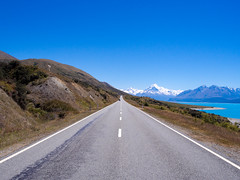 Mount Cook Road (Saaliahc) Tags: street blue newzealand nature landscape strasse natur landschaft neuseeland omdm5