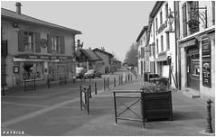 Place de la Fontaine le Fontanil 2N&B (patrice3879) Tags: statue joseph place expo charles mariage rue eglise mairie salle fronton fontanil passquier