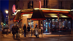 Beaubourg (CreART Photography) Tags: street paris night zeiss streetphotography nightlife carlzeiss cafsofparis