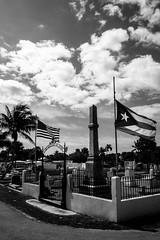 La Guerra de los Diez Años (agruebl) Tags: cemetery us florida cuba keywest floridakeys kuba 1868 cubanrevolution flagsathalfstaff keywestcemetery usofamerica alosmartiresdecuba tenyearswar independencefromspain flaggenaufhalbmast laguerradelosdiezanos