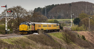 Colas Railfreight class 37/0 no 37175 heads a Derby to Derby test train via the High Marnham Test Track at Clipstone Junction on 25-04-2016