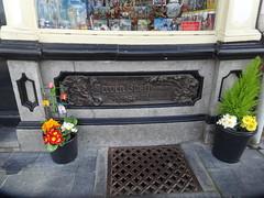 """voormalig woonhuis van Jeroen Bosch souveniswinkel """"de Kleine Winst"""" 's Hertogenbosch (willemalink) Tags: jeroen s van bosch hertogenbosch woonhuis voormalig dekleinewinst souveniswinkel"""