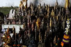 061. Laos. La grotte de Pak Ou, lieu de plerinage (beatrice.boutetdemvl) Tags: statue buddha bouddha ou sacred cave laos sacr grotte pak bouddhisme