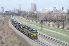 erie 096 (Fan-T) Tags: railroad tower paint downtown cut ns cleveland union terminal erie rta nkp 1068 heirtage sd70ace compled