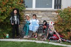 Trick or treating kids 4 (Aggiewelshes) Tags: halloween dorothy gavin october halloweencostume vivian olsen eryn jovie 2015 skeletonrocker