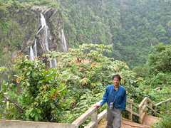 Jog-falls-British-bunglow-view-016 (umakant Mishra) Tags: wild waterfall adventure climbing karnataka touristpoint jogfalls karnatakatourism kaveririver umakantmishra westernghatmountain kumudinimishra britishbunglow
