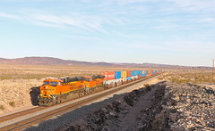 Ash Hill, California (UW1983) Tags: trains railroads bnsf stacktrains ashhill california desertrailroading needlessub