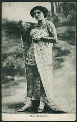 Archiv D368 Djita Salomé, 1910er, Tätowierte mit Handtuch (Hans-Michael Tappen) Tags: woman beauty tattoo vintage frau 1910s schönheit tattooed tätowiert phänomen 1910er tätowiertefrau archivhansmichaeltappen orientaltattooedbeauty tätowiertemithandtuch djitasalomé