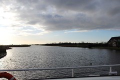 The other way it's still bright (Davydutchy) Tags: holland netherlands rain ferry canal pluie pont february paysbas friesland regen fähre waterway niederlande vaart 2016 fryslân langweer langwar langweerdervaart brekken langwarderfeart