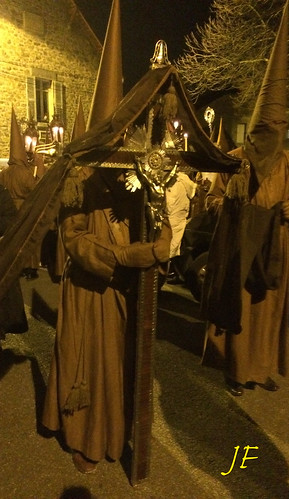 "RECONSTITUTION DE LA PROCESSION DES PENITENTS ""FEUILE MORTE"""