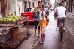 Streets of Havana - Cuba (IV2K) Tags: street zeiss uniform sony havana cuba centro castro fidel caribbean cuban habana schoolgirl kuba lahabana rx1 centrohavana