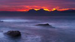 Al amanecer (Carpetovetn) Tags: espaa costa marina sunrise mar agua cementerio amanecer cielo cantabria castrourdiales cantbrico tamron2875 marcantbrico nikond610