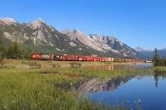 Battle-worn scenic (Moffat Road) Tags: railroad canada cn train jasper ab alberta locomotive mountainlake jaspernationalpark canadiannational henryhouse 513 gmd sd402w no513 cnedsonsubdivision