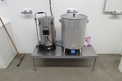 2016.04.14 Beer Brewing in the Clean Lab (FotoMediamatic) Tags: food beer bacteria fermentation mycelium beerbrewing biofood cleanlab fermentedfood mycoinsulation