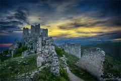 Rocca Calascio (morri.antonio) Tags: tramonto castello rudere