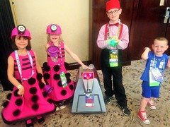 2016-04-23 11.30.37 (Munchkin Cosplay) Tags: who dr drwho dfw whovian kidscostumes whofest kidscosplay whofestdfw whofestdfw2016 dfwwhofest3