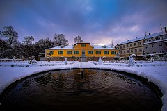 Nature Vs City (M-Z-Photo) Tags: schnee winter de bayern deutschland wasser springbrunnen brunnen garten stadtpark huser ansbach wad