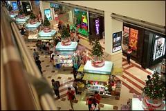 151225 KLCC 11 (Haris Abdul Rahman) Tags: leica decorations malaysia shoppingmall kualalumpur suriaklcc leicamp summiluxm35 wilayahpersekutuankualalumpur harisabdulrahman harisrahmancom typ240 xmas2015 fotobyhariscom