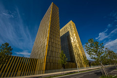 Twin Towers (San M. Photography) Tags: architecture golden twins tour towers wideangle luxembourg luxemburg trme kirchberg jumeaux zwillinge letzebuerg europeancourtofjustice goldentowers kierchbierg
